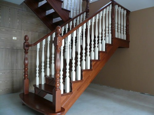 Amazing European Wood Stairs Design for 2011
