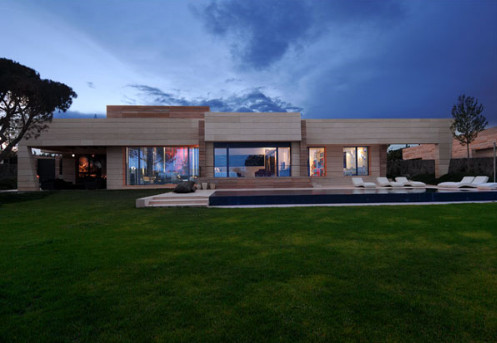 Amazing Natural with Minimalist House Style Designs