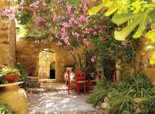Beautiful Mediterranean Garden Design for 2012