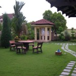 Luxurious Garden House Designs in 2011 Setting