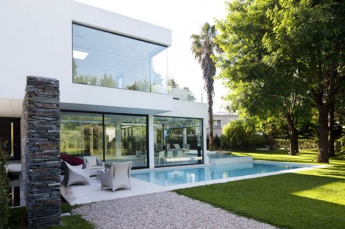 Natural Minimalist House Concept of Design