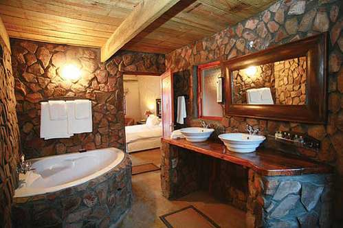 Natural bathroom stone wall ideas