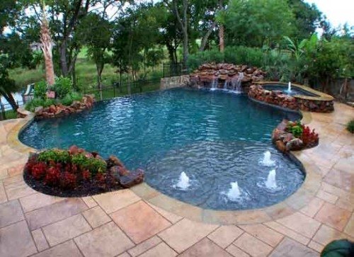 New Swimming Pool for Modern Home