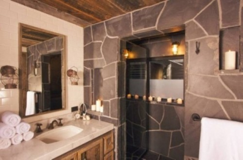 Rustic Bathroom Design Idea with Nature-Stone Wall Decorating