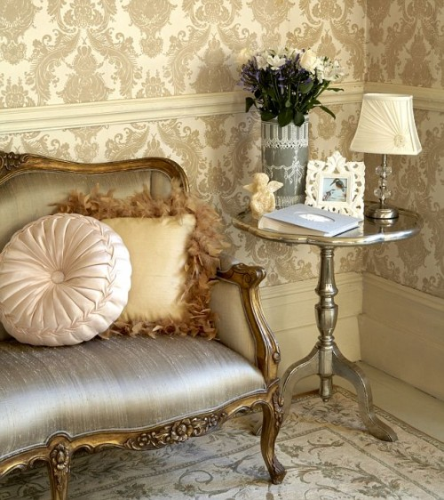 Amazing Wallpaper Room with Modern Color Style