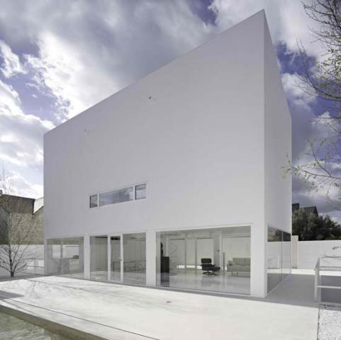 New Minimalist Houses with Modern Europa Architecture